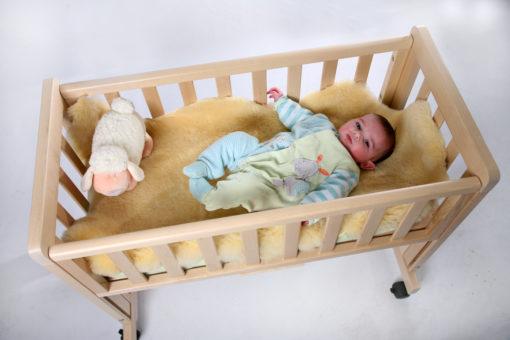 peau d'agneau pour bébé